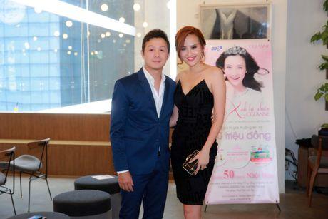 A quan 'The Face' Khanh Ngan vai tran ben MC Anh Tuan - Anh 3