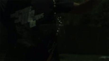 Video quay cham ve mot vu no duoi nuoc - Anh 1