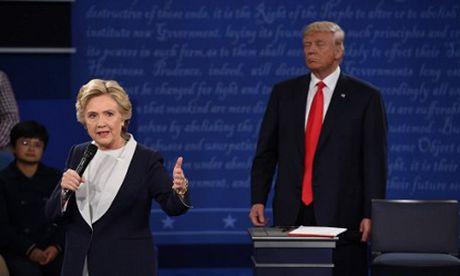 Lo video binh luan dam tuc ve phu nu, Trump thua Clinton toi 14 diem - Anh 1