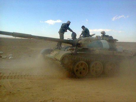 Video chien su: 'Ho' Syria tan cong chiem 14 lang tu tay phien quan - Anh 1
