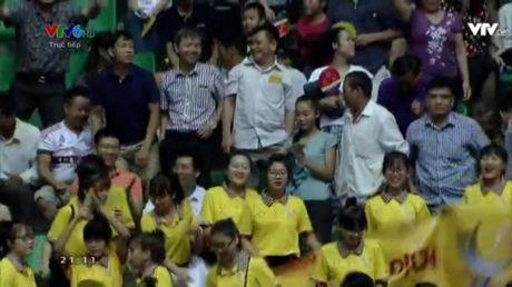 Giai bong chuyen nu Quoc te VTV Cup 2016: Tuyen Viet Nam vuot qua 'cua ai' Indonesia - Anh 1