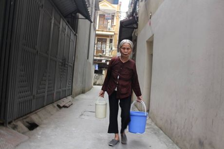 Ha Noi: Nguoi dan phuong Quan Hoa keu cuu vi... 'khat nuoc' - Anh 2