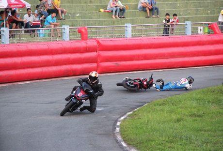 Honda Winner lan dau tranh tai tren duong dua - Anh 4