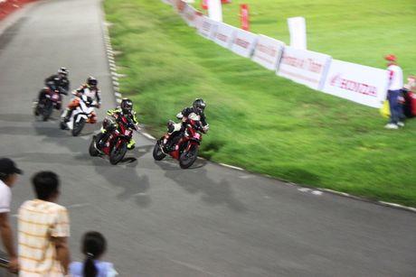 Honda Winner lan dau tranh tai tren duong dua - Anh 5