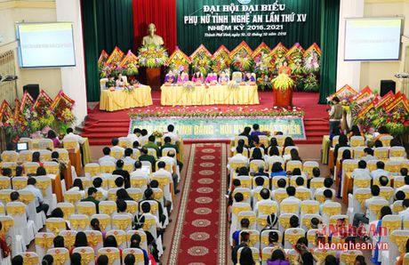 Khai mac Dai hoi Dai bieu Phu nu Tinh Nghe An nhiem ky 2016 - 2021 - Anh 2