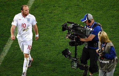 Nhung cot moc dang nho cua Rooney trong mau ao 'Tam Su' - Anh 6
