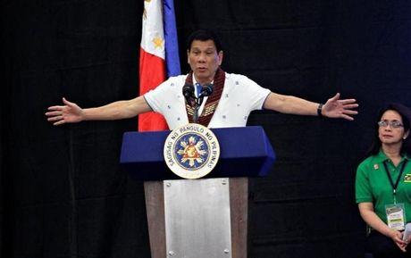 Phai vien dac biet quay ngoat phan phao Tong thong Duterte - Anh 1