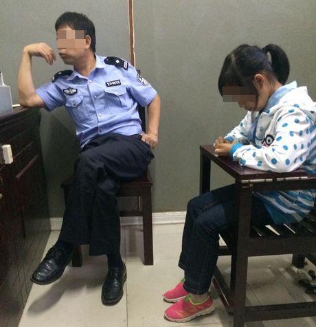 Be gai 12 tuoi mang thai, nghi bi bat coc sang Trung Quoc - Anh 1