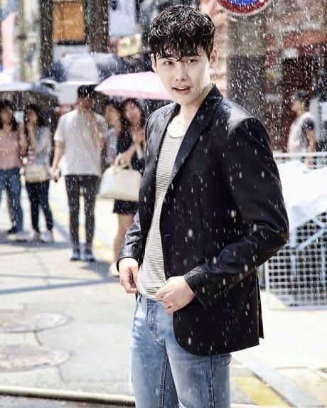 My nam 'W-hai the gioi' bi don dong MV cua Davichi - Anh 1