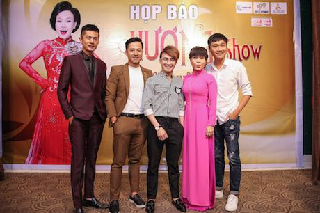 Viet Huong 'choi troi' voi liveshow 6 ty - Anh 1