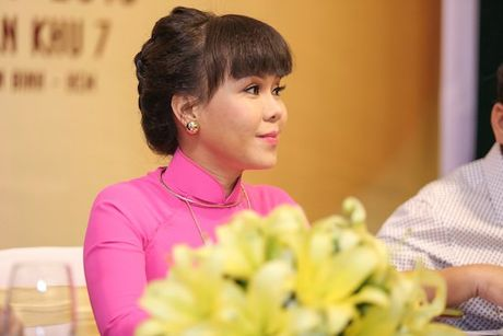 Viet Huong 'choi troi' voi liveshow 6 ty - Anh 5
