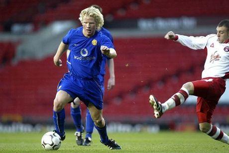 Sir Alex Ferguson bi chi trich la 'ke quai di thich kiem soat' - Anh 3