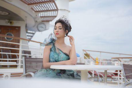 Hoa hau My Linh long lay trong thiet ke dam cong chua tai Dai Bac - Anh 4