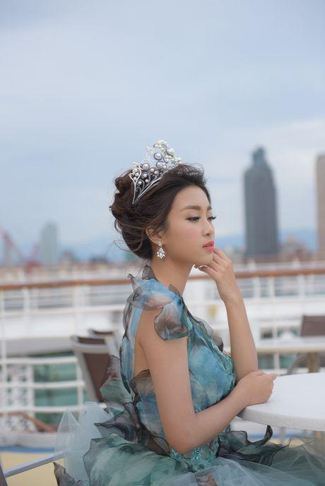 Hoa hau My Linh long lay trong thiet ke dam cong chua tai Dai Bac - Anh 6