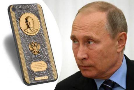 Putin nhan iPhone ai quoc, tang Tap Can Binh smartphone Nga - Anh 1