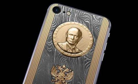 Putin nhan iPhone ai quoc, tang Tap Can Binh smartphone Nga - Anh 3
