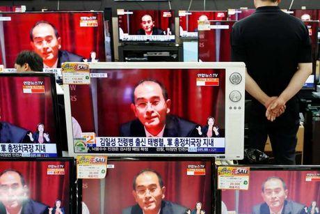 Kim Jong-un day thu truong ngoai giao ky cuu xuong lam ruong - Anh 1