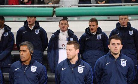 'Ganh nang' Rooney du bi, Tam Su suyt chet truoc Slovenia - Anh 1