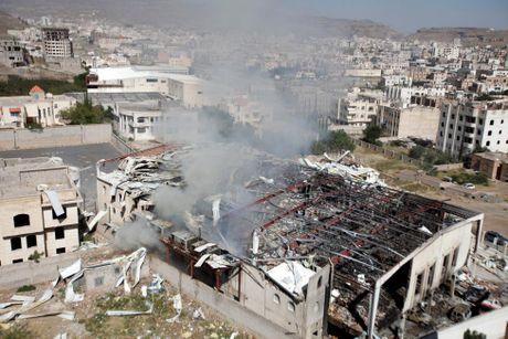 Hien truong vu nem bom dam tang da man o Yemen - Anh 2