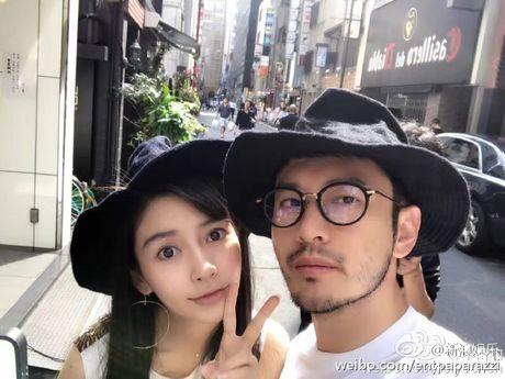 Huynh Hieu Minh dua vo bau Angelababy di nghi duong - Anh 4