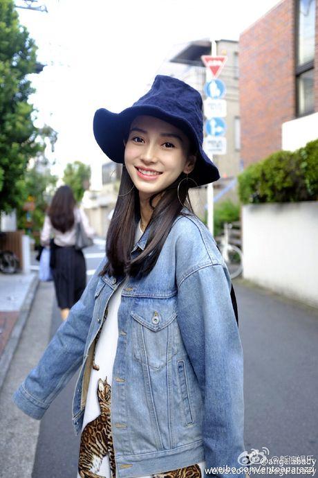 Huynh Hieu Minh dua vo bau Angelababy di nghi duong - Anh 9