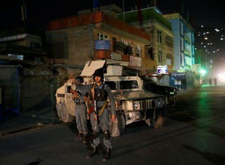 Afghanistan: Tan cong khung bo vao den tho, 14 nguoi thiet mang - Anh 1