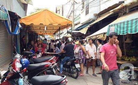 "Xot xa 2 sinh vien bo mang vi ""thuong thuyet"" gia ban trai cay bat thanh - Anh 1"