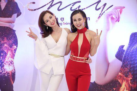 Vo Ha Tram pha bo moi gioi han an toan bang MV 'Chay' - Anh 5
