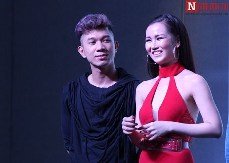 Vo Ha Tram pha bo moi gioi han an toan bang MV 'Chay' - Anh 9
