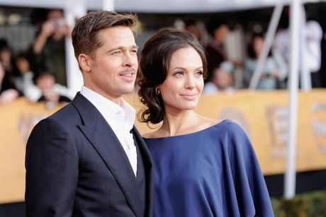 Angelina Jolie doa kien blogger noi tieng vi dua tin xung quanh vu ly di - Anh 1
