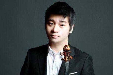 Thien tai violin cua Han Quoc guc chet bat thuong trong taxi - Anh 1