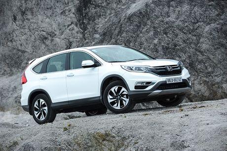 So sanh Nissan X-Trail va Honda CR-V: Crossover 5 cho nao dang dong tien? - Anh 1