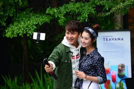 Thoai mai the hien muon sac thai voi op lung ca tinh va gay selfie da nang - Anh 1