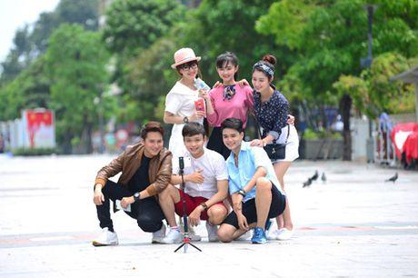 Thoai mai the hien muon sac thai voi op lung ca tinh va gay selfie da nang - Anh 2