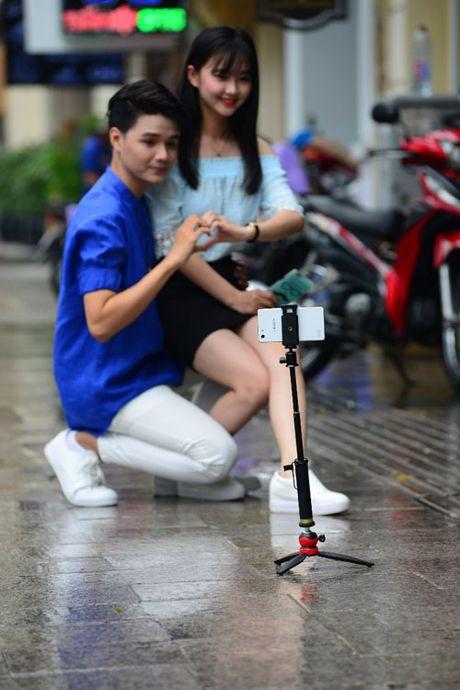 Thoai mai the hien muon sac thai voi op lung ca tinh va gay selfie da nang - Anh 3