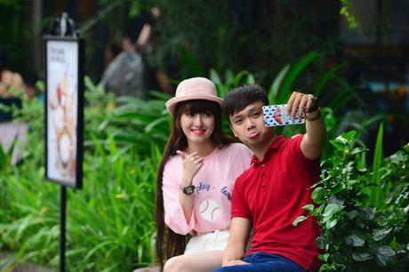 Thoai mai the hien muon sac thai voi op lung ca tinh va gay selfie da nang - Anh 6