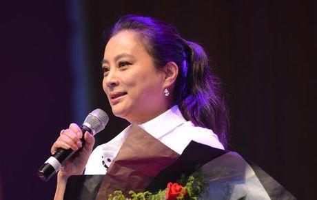 "O tuoi 53, ""Tho Ngoc"" Ly Linh Ngoc van khien khan gia nguong mo - Anh 1"