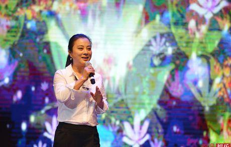 "O tuoi 53, ""Tho Ngoc"" Ly Linh Ngoc van khien khan gia nguong mo - Anh 3"