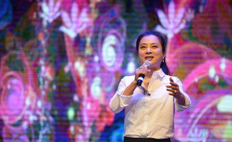 "O tuoi 53, ""Tho Ngoc"" Ly Linh Ngoc van khien khan gia nguong mo - Anh 4"