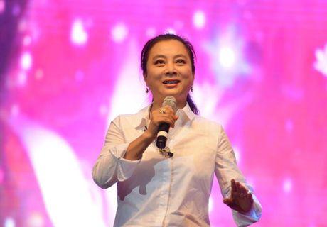 "O tuoi 53, ""Tho Ngoc"" Ly Linh Ngoc van khien khan gia nguong mo - Anh 5"