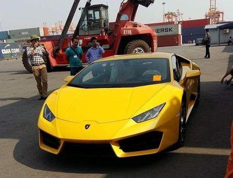 Sieu xe Lamborghini Huracan thu hai gia 20 ty cap cang Hai Phong - Anh 1