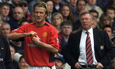 Ferguson noi gian vi Beckham xin di may bay toi san tap - Anh 1
