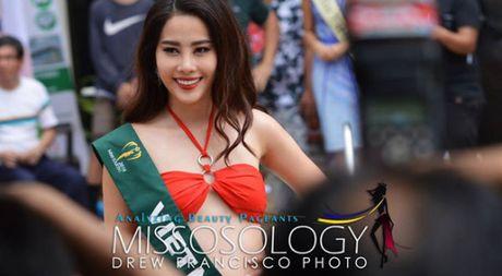 Nam Em trinh dien bikini cuon hut cung cac nguoi dep tai Miss Earth - Anh 1