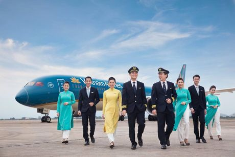 Moi ngay Vietnam Airlines thu ve gan 200 ty dong - Anh 1