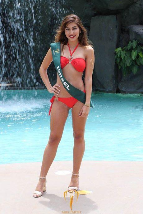 Nam Em dien bikini, khoe dang ben dan thi sinh Miss Earth - Anh 11