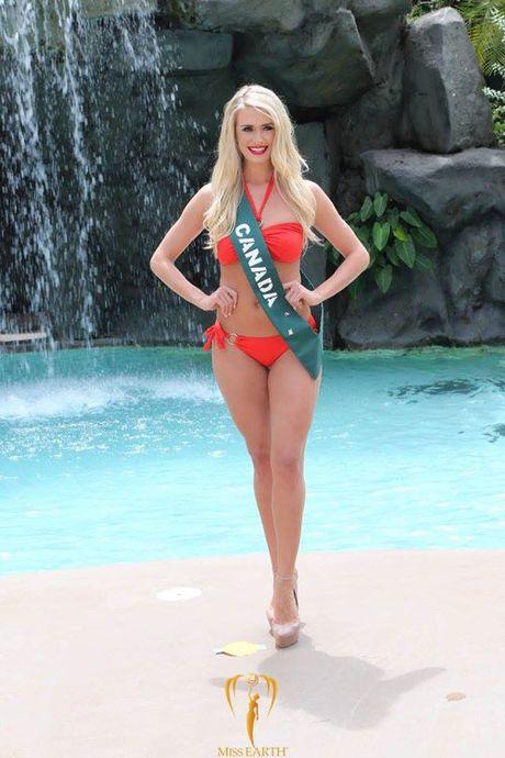 Nam Em dien bikini, khoe dang ben dan thi sinh Miss Earth - Anh 19