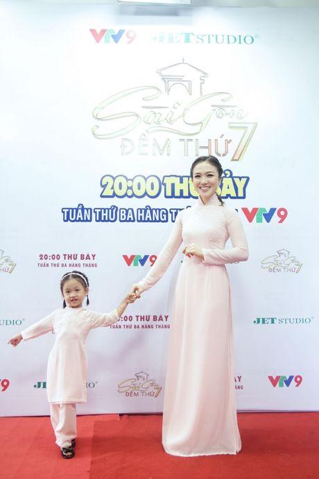 Ba xa Phan Dinh Tung pha le cam mic cung chong tai Sai Gon Dem Thu 7 - Anh 3
