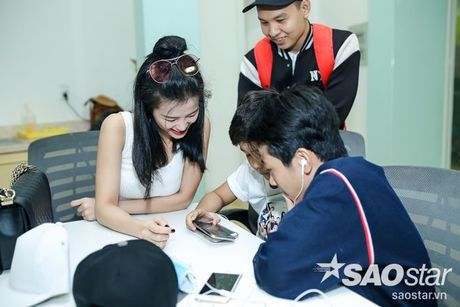 Dong Nhi - Ong Cao Thang doi mua tap luyen cho hoc tro truoc Liveshow 5 - Anh 11