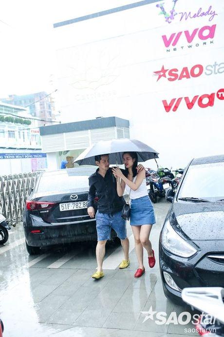 Dong Nhi - Ong Cao Thang doi mua tap luyen cho hoc tro truoc Liveshow 5 - Anh 3