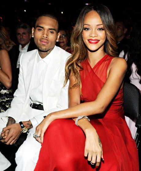 'Nguoi tinh bao luc' Chris Brown quyet tam theo duoi Rihanna sau khi biet tin co doc than - Anh 1